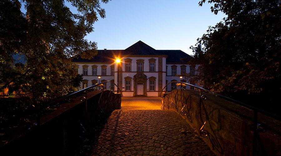 Zur Kategorie: Stadtbibliothek. Bildmotiv: Gebäude der Stadtbibliothek Paderborn.